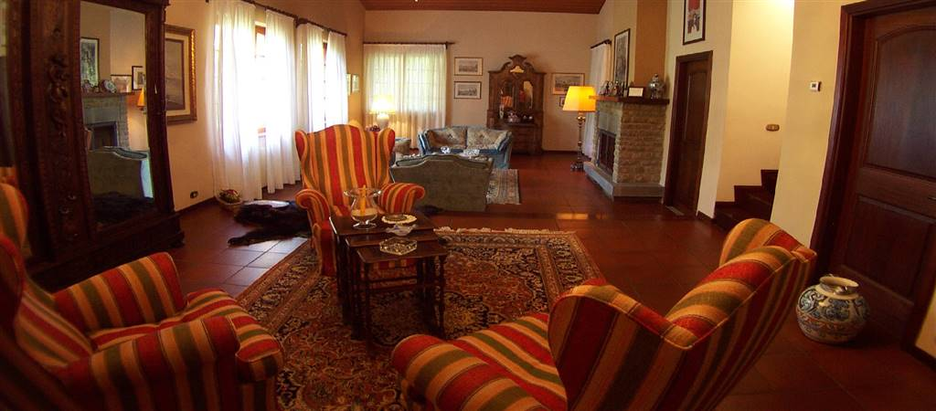 4 Bedrooms, BARGA (LU)