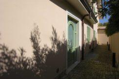 vista laterale e ingresso